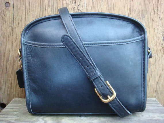 COACH leather purse in black  AUTHENTIC