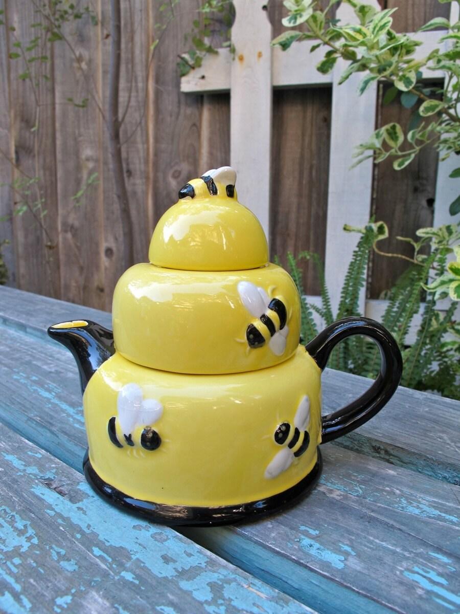 Vintage Honey Pot Teapot Yellow Honey Bees