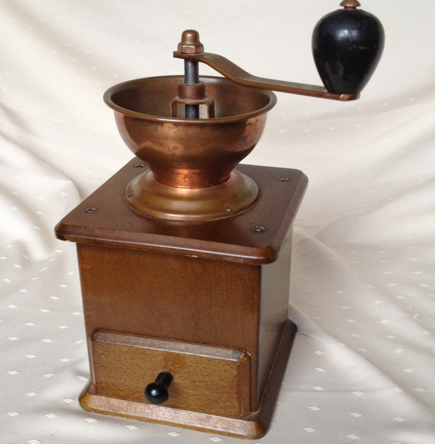 Vintage Coffee Grinder by Sun Manufacturing Co. | EBTH  |Coffee Grinders Antique Label