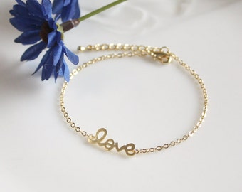 Love bracelet in gold