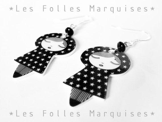 Little dolls earrings - black white - japanese kawaii doll - star pattern - sterling silver findings