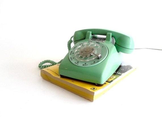 Retro Turquoise Rotary Telephone ITT Amherst