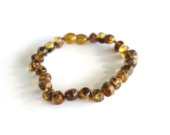 Elegant Baltic Amber Bracelet. Green Olive color amber beads.