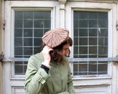 Brown hand knitted beret in organic wool. Knit beret, beret hat, wool beret, organic beret. Spring fashion