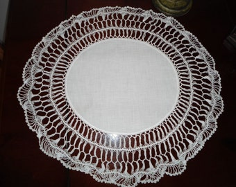Vintage white round linen with hand crocheted open lace border