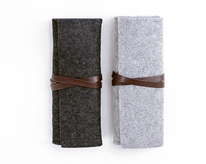 W1002 Wool Felt Roll Pouch