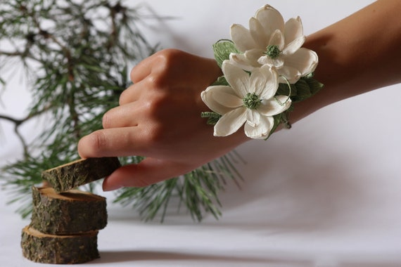 Wedding corsage, corsage paper flower, mothers Corsage, bridal corsage, MOB and MOG pin corsages, cuff bracelet corsage, 1 pcs