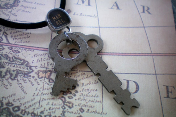 Steampunk necklace with old keys and a typewriter key. Recycled and ONE OF A KIND.