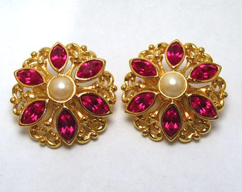 Christmas Earrings Embellished Flower Red Crystal and Pearl - AVON - Vintage (clip)