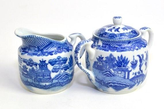Blue Willow Cream & Sugar Set, Made in Occupied Japan - Porcelain, Crown Backstamp - Vintage Home Kitchen Decor