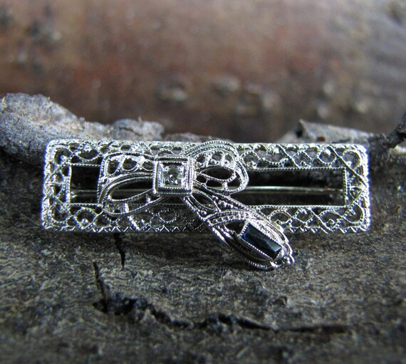 Art Deco Brooch - Diamond and Sapphire in White Gold Filigree Art Nouveau Bridal Jewelry