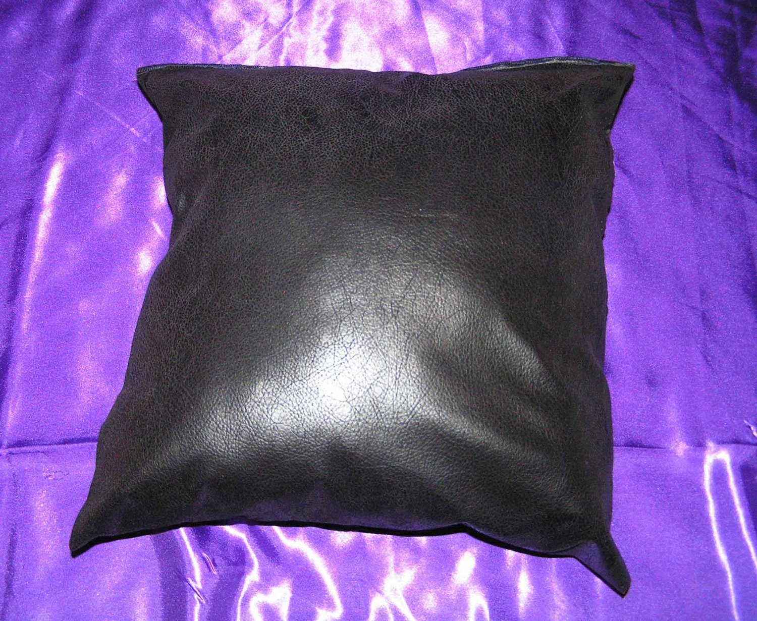 How To Make Zippered Throw Pillow Covers : 2 faux leather 16 x 16 throw pillow cover zipper closure