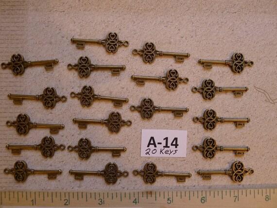 20 Medium size Replica Skeleton Keys A14