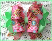 Pink and Green Hair Bow...Pink Retro Print and Mint Green Bow......Girls Hair Bow..Toddler Hair Bow....Triple Layer Boutique Hair Bow....