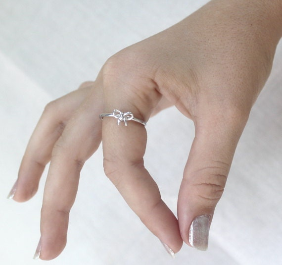 Tiny Bow ring - 925 Sterling silver , petite stacking Ring