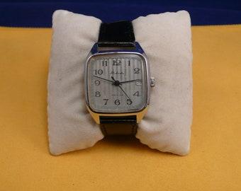 "Ussr (Soviet Union)  ""RAKETA"" (rocket) SQUARE  16 jewels wrist watch 1960  very rare  PERFECT"