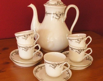 Coffeepot with a set of coffee cups -  vintage--porcelain