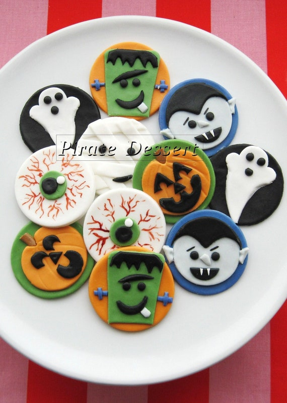 Edible Cake Decorations Halloween : Edible Halloween cupcake toppers MONSTERS Fondant cake