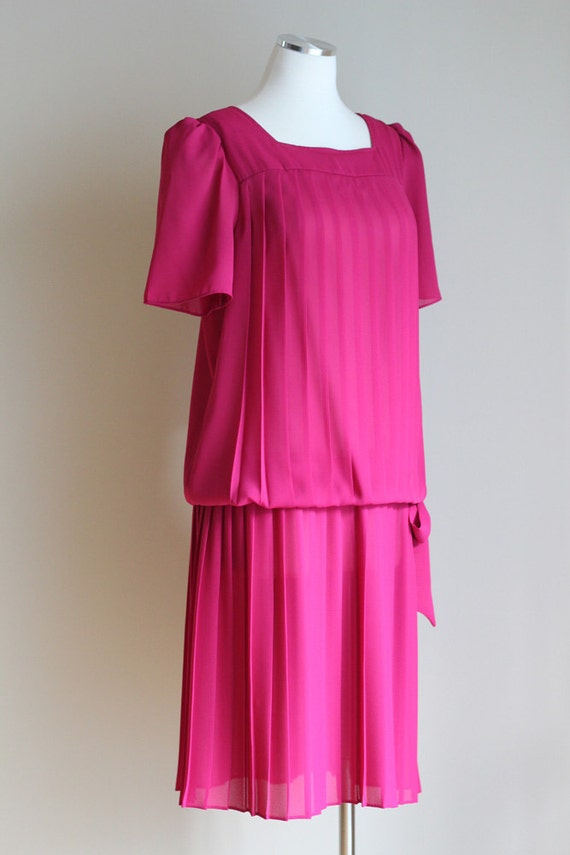 Vintage Magenta 1980s Dress - 20s Style Flapper Drop Waist Dress - Knife Pleats and Bow - Size Medium