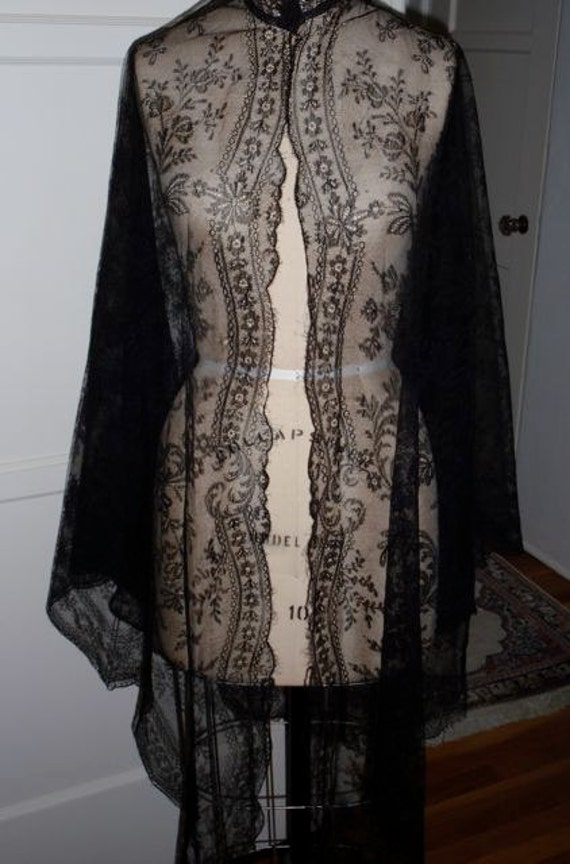 Antique Victorian 1860s Civil War Silk Tulle Chantilly Lace Shawl Goth Steampunk Halloween