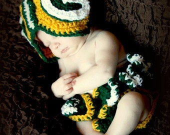 Greenbay Hat and Diaper Cover Set