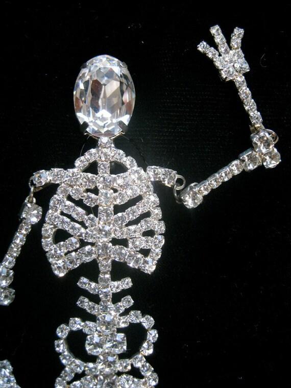 Insanely Wonderful Rhinestone Moveable Skeleton Brooch