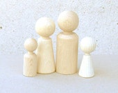 Wooden Peg Dolls in Unfinished Wood set of 4  - Waldorf Family wooden dolls ecofriendly party favors, beige white
