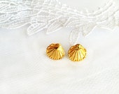 Gold seashell earrings, Gold stud earrings, dainty shell earrings, Bridal Accessories Bridemaids