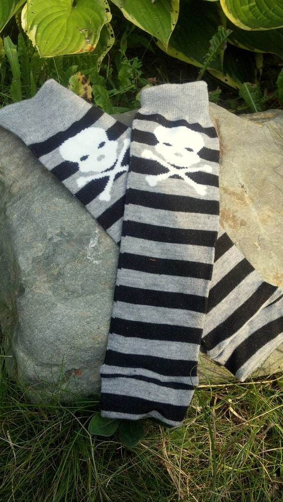 Skull & Crossbones Pirate Striped Baby Leggings. ARRRRRGH