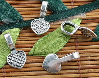 Alloy metal Tibetan Silver color texture heart charms 70pcs EF0120