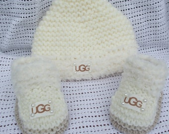 baby hat and shoes set