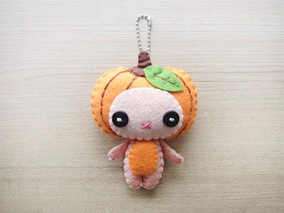 Felt Keychain -  halloween decor -  cute accessories -  Kawaii - pumpkin plush - READY TO SHIP
