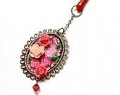 Roses Android Dust Plug, Handmade Jewelry by Dreambuzzer on Etsy