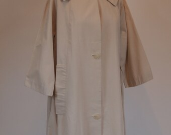 Vintage 50s beige light tan heavy cotton swing coat with wide Peter Pan collar and large buttons down front 3/4 sleeves