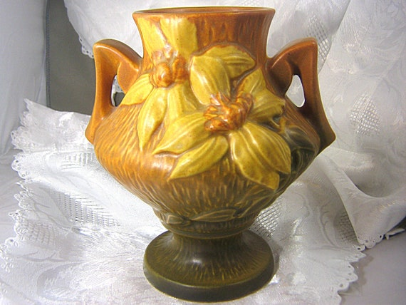 Roseville Clematis Art Pottery Vase With Handles