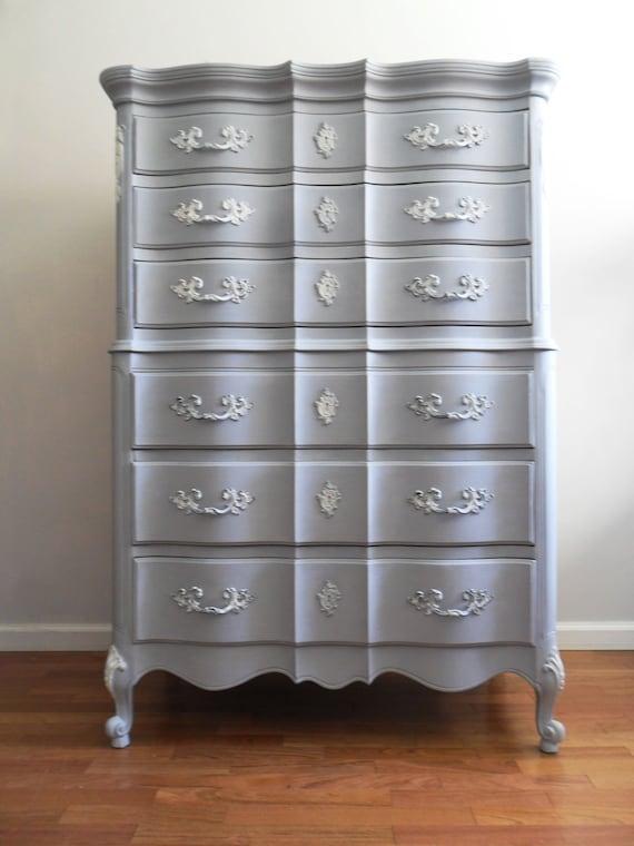 French Light Grey Dresser/Chest of Drawers/Bureau