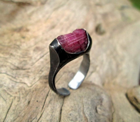 Tinned stainless steel ring with raw tourmaline rubellite