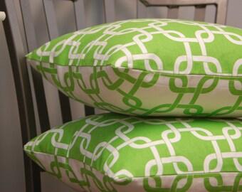 Green White Lattice Print Throw Pillow Cover 16 Inch, Reversible Decorative Sofa Pillow, invisible zipper closure