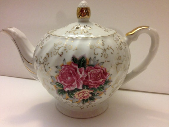 Vintage Trimont Ware Japan Tea Pot w/Roses and Gold Trimming/Scrolls