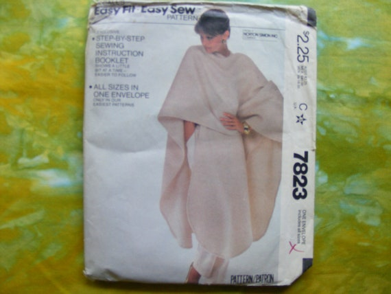 McCall's vintage Easy Fit Easy Sew sewing pattern 7823 for misses poncho.
