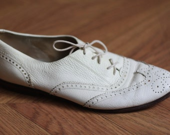 Super Cute White Saddle Shoes