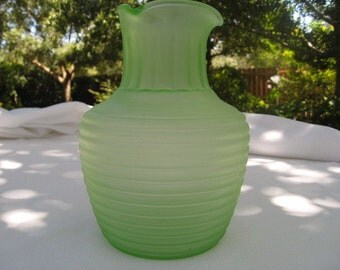 Vaseline Glass Pitcher, Vintage Frigidaire Iced Tea Server, Frosted Green Depression Glass, Anchor Hocking Company, Retro Kitchen Glassware