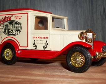 Vintage Matchbox Models of Yesteryear by Lesney 1930 Ford Model A  made in England  Y22 Delivery Van