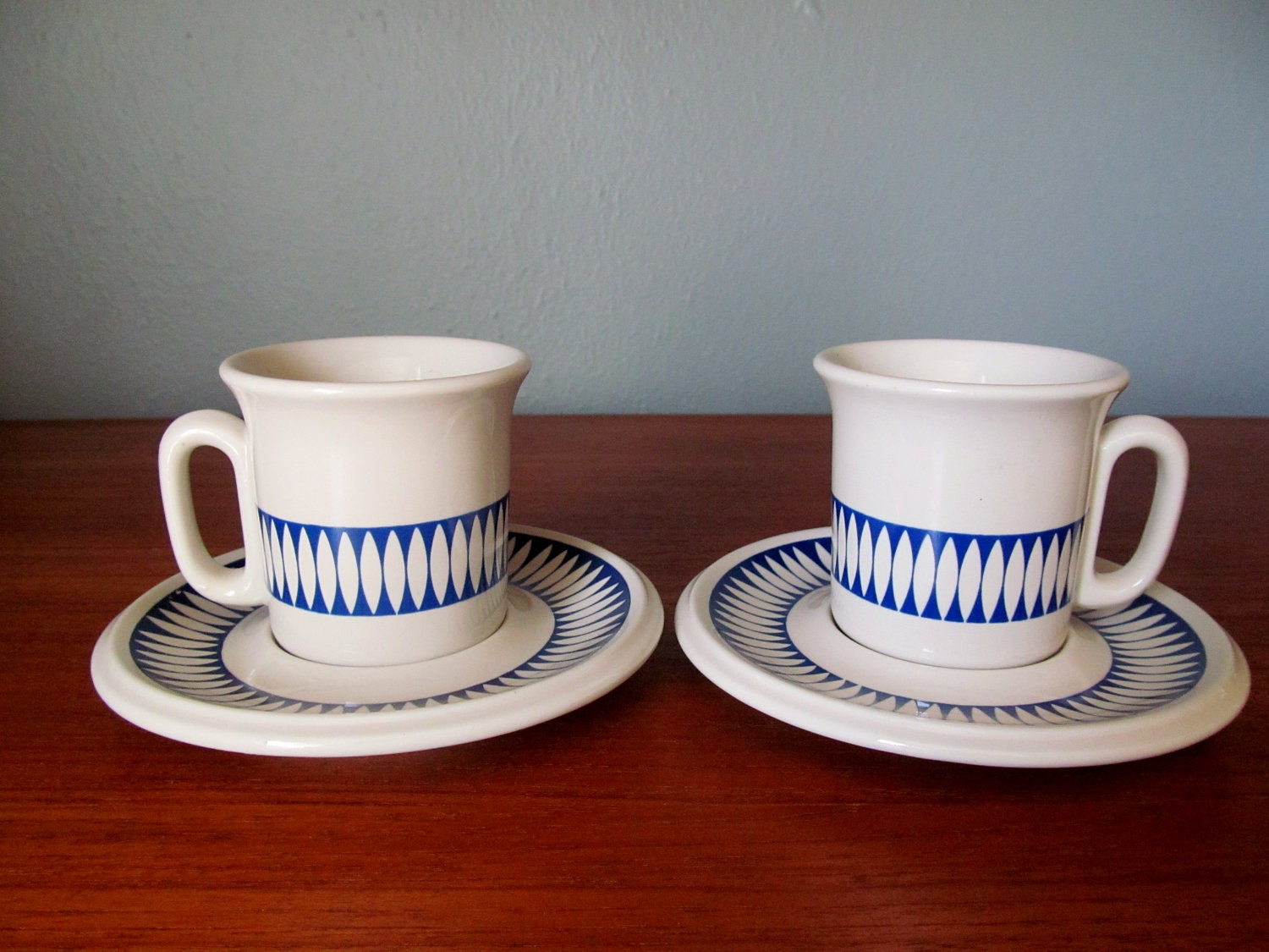 Acf Italy Tea Cups Saucers