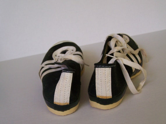 Track King track shoes vintage 3-striped 1970s new old stock
