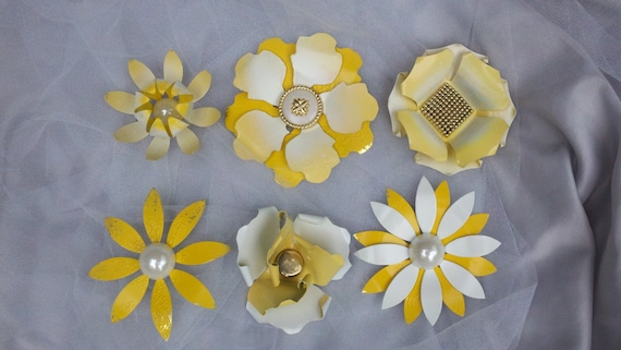Enamel Flower Brooches Pins Vintage Style Yellow and White Wedding Bridal Bouquet Lot of 6