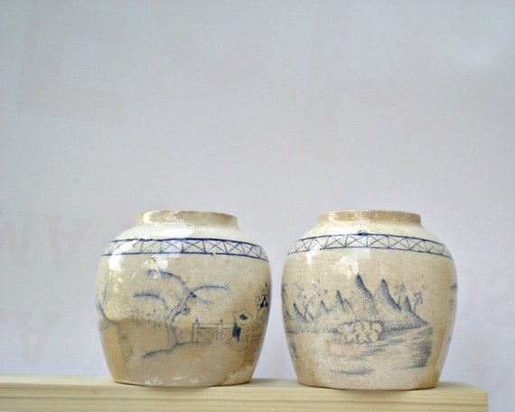 Two small creamy white ceramic chinese vases, blue design, porcelain, chinese