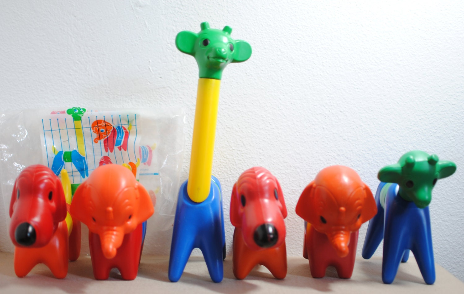 Vintage Tupperware Toys Puzzle Animals Zoo It Yourself
