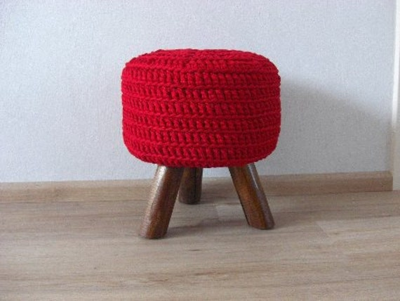 round footstool pouf with 3 legs side table hocker ottoman red. Black Bedroom Furniture Sets. Home Design Ideas