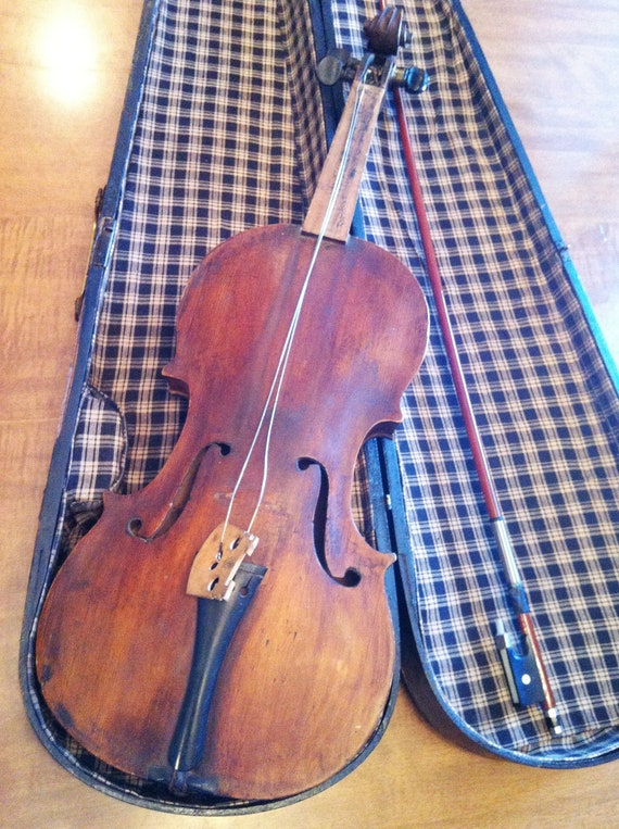 RESERVED FOR NICOLE - Lovely Vintage antique Violin fiddle, Bow and Violin Case, Coffin Case (full size)
